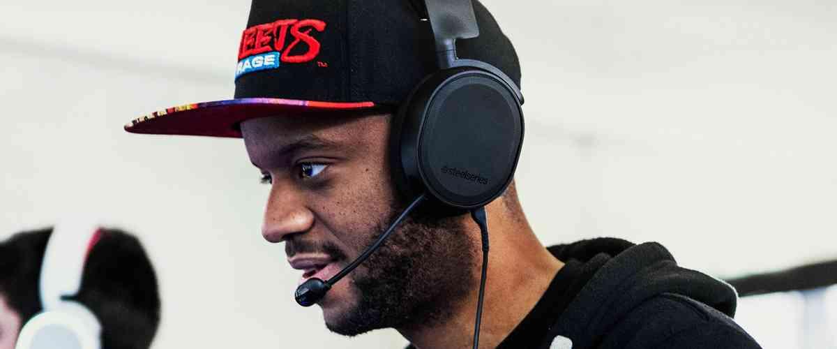 Arctis 3 Bluetooth Gaming Headset | SteelSeries