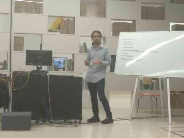 La garganta, el grito y la voz. Aurelio Meza, Taller de arqueología de medios