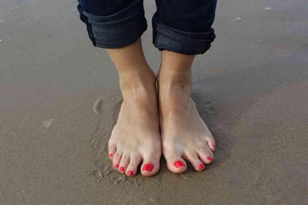 Forstuvet fod og ankel | Symptomer | Behandling og genoptræning | Overrevet ledbånd | Brækket el…