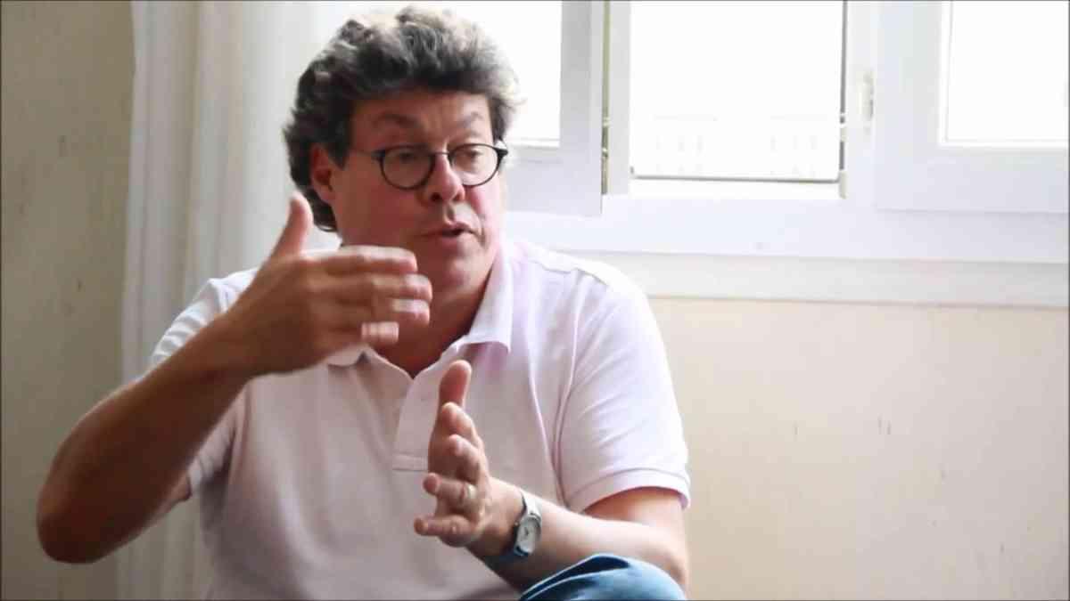 Francis Cousin - Le Capital et la question juive - YouTube