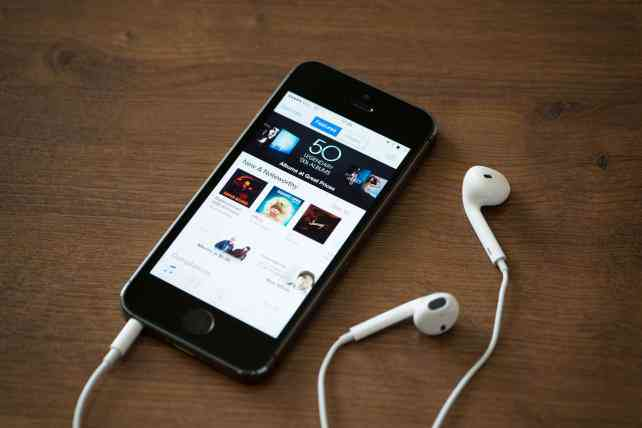 IAB Tech Lab Issues Guidelines for Podcast Advertising | Media - AdAge