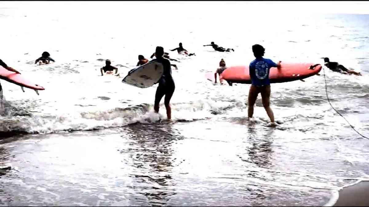 SURF TRAINING ESTIVO by PETTIROSSO SURF SCHOOL