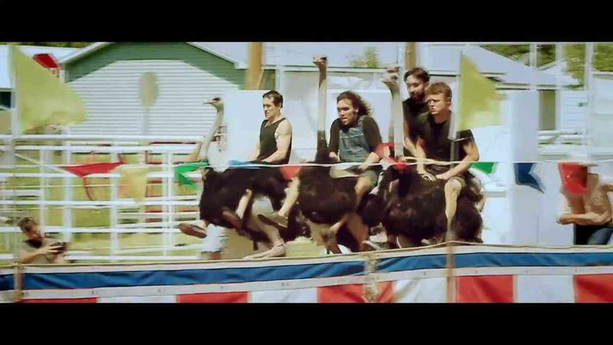 HOLLERADO - GOOD DAY AT THE RACES (OFFICIAL VIDEO)
