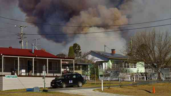 News: Fire volunteers ignore calls to help fight bushfires due to 'toxic' relations with RFS