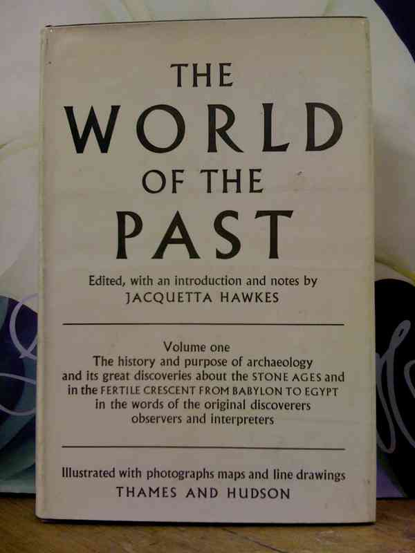 The World of the Past by Jacquetta Hawkes (ed.), Thames and Hudson - Fonts In Use