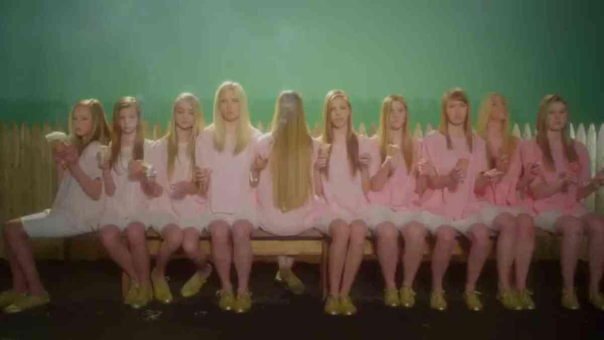 "Wye Oak ""Glory"" (Official Music Video)"