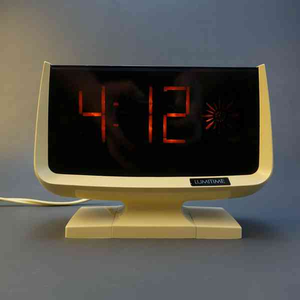 Tamura Model C31 Lumitime Clock
