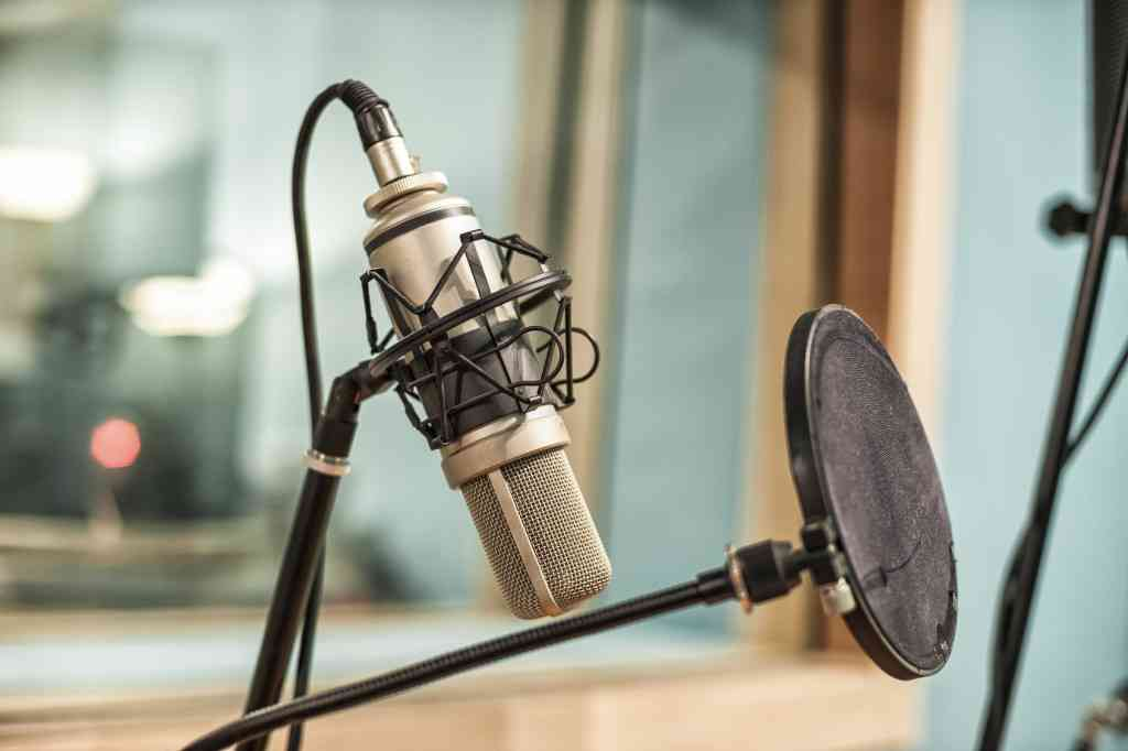The Startup's Guide to Podcast Advertising — SitePoint