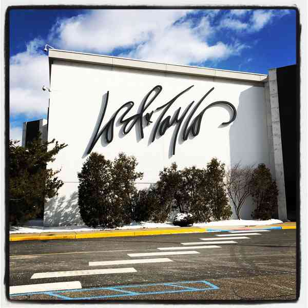 Lord & Taylor | Signage