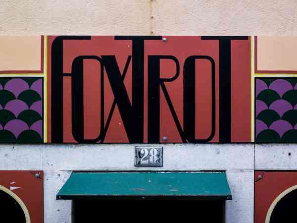 Lisboa | Foxtrot | Signage