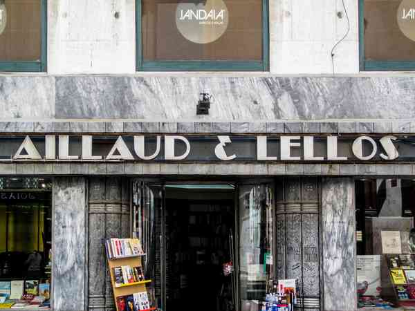 Lisboa | [Livraria] Aillaud & Lellos | Signage