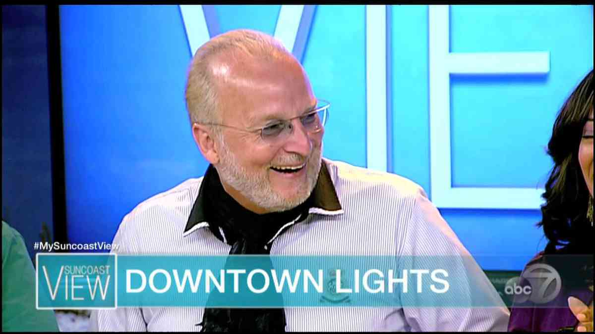 (42) Downtown Lights